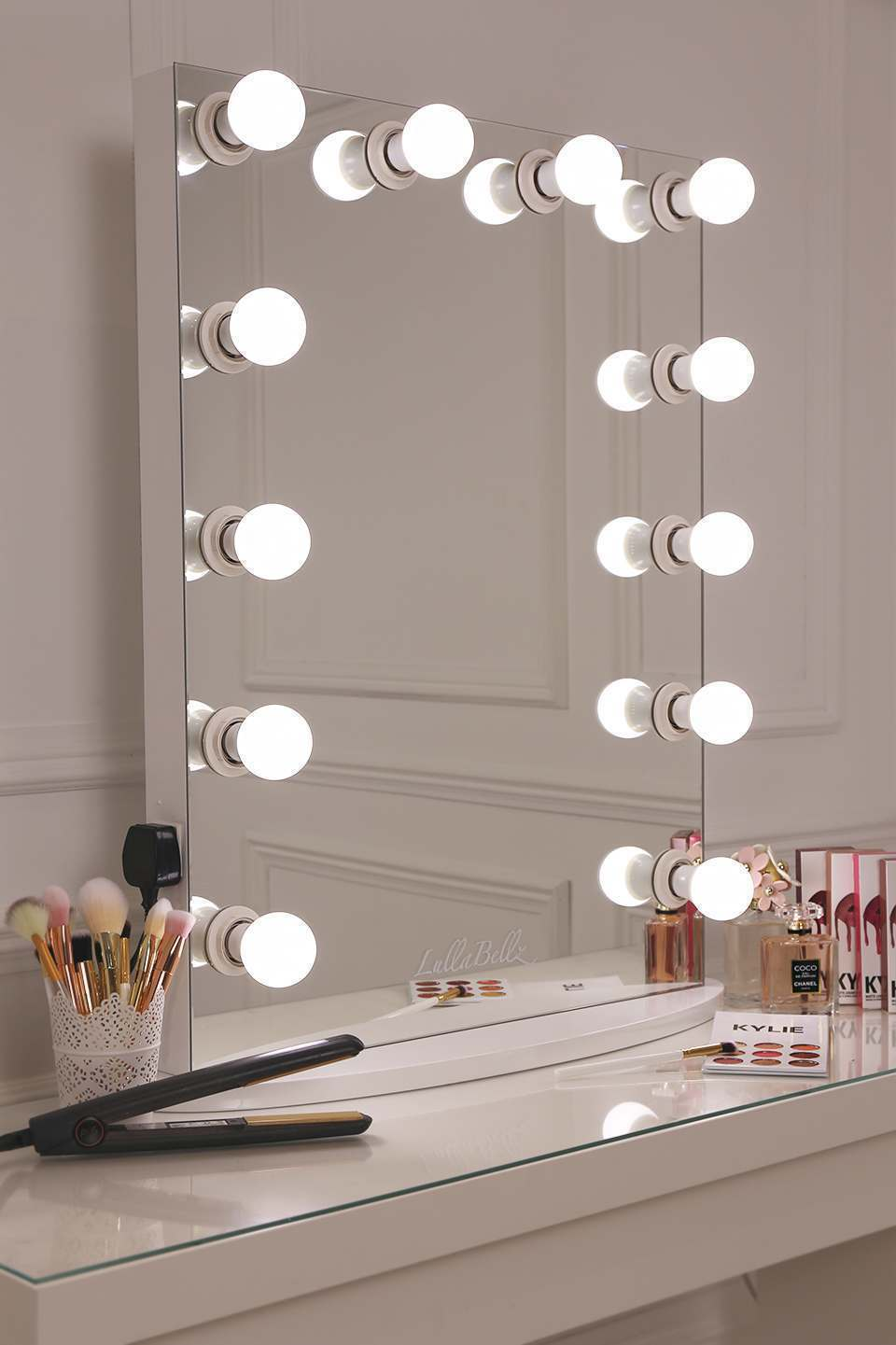 hollywood glow vanity mirror with led bulbs lullabellz. Black Bedroom Furniture Sets. Home Design Ideas
