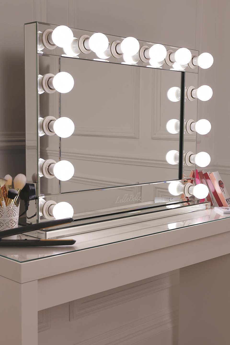 mirror finish glamour make up mirror lullabellz. Black Bedroom Furniture Sets. Home Design Ideas