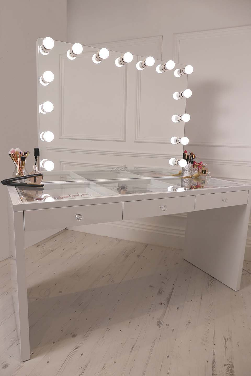 Led bulb hollywood vanity makeup mirrors lullabellz slaystation dressing table hollywood glow xl pro illuminated vanity mirror mozeypictures Gallery